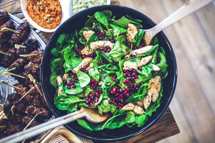 food salad healthy lunch